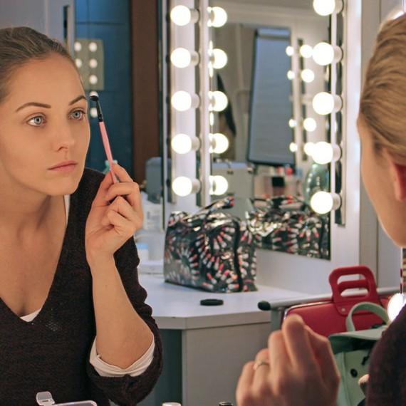 Corso_self_makeup2